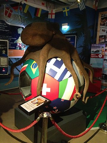 A statue to Paul the Octopus