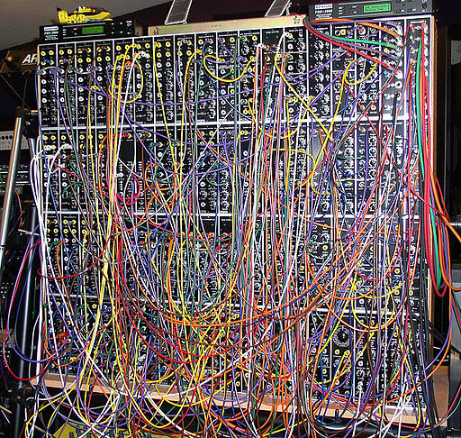 Complex wiring of a patch panel